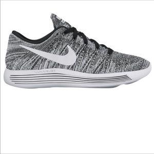 Nike Lunarepic Low Flyknit Running Shoes